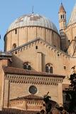 Βασιλική του ST Anthony - μια άποψη από το εσωτερικό μοναστήρι - Πάδοβα, Ιταλία Στοκ φωτογραφίες με δικαίωμα ελεύθερης χρήσης