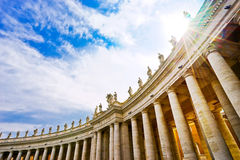 Βασιλική του ST Peter ` s σε μια ηλιόλουστη ημέρα σε Βατικανό Στοκ φωτογραφία με δικαίωμα ελεύθερης χρήσης