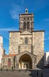 Βασιλική Notre Dame du Port στο Κλερμόν-Φερράν - τη Γαλλία Στοκ Εικόνες