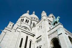 Βασιλική Sacre Coeur αριστερών πλευρών σε Pari Στοκ Φωτογραφία