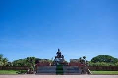 Βασιλικό άγαλμα του βασιλιά Ramkhamhaeng ο μεγάλος Στοκ εικόνα με δικαίωμα ελεύθερης χρήσης