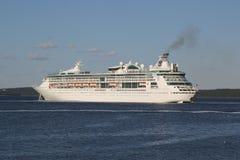 Βασιλικό καραϊβικό μεγαλείο κρουαζιερόπλοιων των θαλασσών στο λιμάνι φραγμών, Μαίην στοκ φωτογραφίες