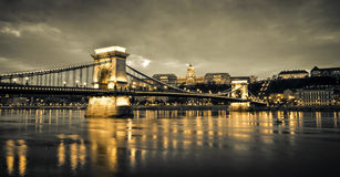 βασιλικό szechenyi παλατιών αλυσίδων γεφυρών Στοκ φωτογραφίες με δικαίωμα ελεύθερης χρήσης