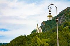 Βαυαρία κάτω από την όψη της Γερμανίας κάστρων neuschwanstein ευρέως Στοκ εικόνες με δικαίωμα ελεύθερης χρήσης