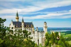 Βαυαρία κάτω από την όψη της Γερμανίας κάστρων neuschwanstein ευρέως Στοκ Εικόνες