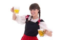 Βαυαρικό κορίτσι με το φλυτζάνι της μπύρας Στοκ φωτογραφία με δικαίωμα ελεύθερης χρήσης