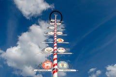 Βαυαρικό Maibaum ή Maypole Στοκ Φωτογραφία