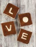 βαλεντίνος αγάπης s ST ημέρας έννοιας κέικ Κέικ μπανανών σοκολάτας Στοκ Φωτογραφία