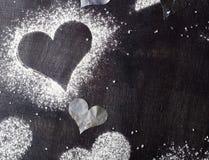 βαλεντίνος ημέρας s καρτών Χιόνι καρδιών περιγραμμάτων Στοκ φωτογραφία με δικαίωμα ελεύθερης χρήσης