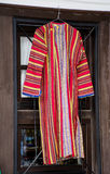 Βαλκανικό λαϊκό κόκκινο κοστούμι Στοκ φωτογραφία με δικαίωμα ελεύθερης χρήσης