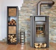 Βαλμένη φωτιά ξύλο σόμπα Στοκ Εικόνα