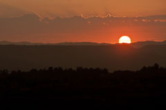 Βαλμένο σε στρώσεις ηλιοβασίλεμα Στοκ εικόνα με δικαίωμα ελεύθερης χρήσης