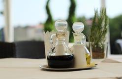 βαλσαμικό ξίδι ελιών πετρ&epsi Στοκ εικόνες με δικαίωμα ελεύθερης χρήσης