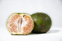 βγάζει φύλλα τα πορτοκάλ&io Στοκ εικόνα με δικαίωμα ελεύθερης χρήσης