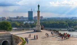 ΒΕΛΙΓΡΑΔΙ, ΣΕΡΒΙΑ - τον Ιούλιο του 2018: Άποψη του μνημείου ` Victor ` κοντά στο φρούριο Kalemegdan Βελιγραδι'ου στοκ εικόνες