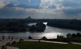 ΒΕΛΙΓΡΑΔΙ, ΣΕΡΒΙΑ - τον Ιούλιο του 2018: Σταυρός δύο ποταμών σε Βελιγράδι, Σερβία στοκ φωτογραφία