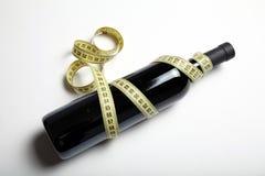 Βελτίωση του σώματος με τη μέτρια χρήση του κόκκινου κρασιού στοκ εικόνα με δικαίωμα ελεύθερης χρήσης