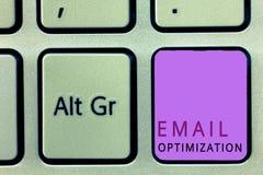 Βελτιστοποίηση ηλεκτρονικού ταχυδρομείου κειμένων γραψίματος λέξης Επιχειρησιακή έννοια για Maximize η αποτελεσματικότητα της εκσ στοκ φωτογραφίες με δικαίωμα ελεύθερης χρήσης