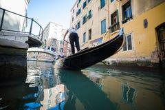 Βενετία - είναι μια πόλη στη βορειοανατολική Ιταλία που εγκαθίσταται σε μια ομάδα πολλών μικρών νησιών που χωρίζονται από τα κανά Στοκ φωτογραφία με δικαίωμα ελεύθερης χρήσης