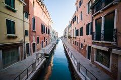 Βενετία - είναι μια πόλη στη βορειοανατολική Ιταλία που εγκαθίσταται σε μια ομάδα πολλών μικρών νησιών που χωρίζονται από τα κανά Στοκ Φωτογραφία