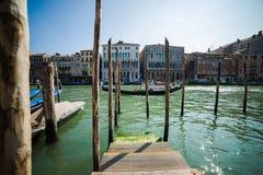 Βενετία - είναι μια πόλη στη βορειοανατολική Ιταλία που εγκαθίσταται σε μια ομάδα πολλών μικρών νησιών που χωρίζονται από τα κανά Στοκ Φωτογραφίες