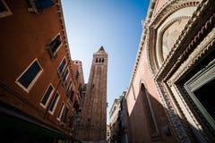 Βενετία - είναι μια πόλη στη βορειοανατολική Ιταλία που εγκαθίσταται σε μια ομάδα πολλών μικρών νησιών που χωρίζονται από τα κανά Στοκ εικόνες με δικαίωμα ελεύθερης χρήσης
