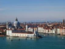 Βενετία - η εκκλησία χαιρετισμού della Madonna και το μεγάλο κανάλι Στοκ φωτογραφίες με δικαίωμα ελεύθερης χρήσης