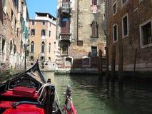 20 06 2017, Βενετία, Ιταλία: Άποψη από τη γόνδολα στο ιστορικό buildin Στοκ Εικόνα