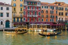 Βενετία, Ιταλία, στις 14 Φεβρουαρίου 2017 Πόλη της Βενετίας της Ιταλίας Άποψη σχετικά με το μεγάλο κανάλι, ενετικό τοπίο με τις β Στοκ φωτογραφίες με δικαίωμα ελεύθερης χρήσης