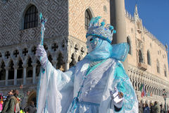 Βενετία - μάσκα μπροστά από Palazzo Ducale Στοκ φωτογραφίες με δικαίωμα ελεύθερης χρήσης