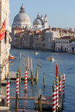 Βενετία με τις βάρκες στο μεγάλο κανάλι Στοκ εικόνα με δικαίωμα ελεύθερης χρήσης