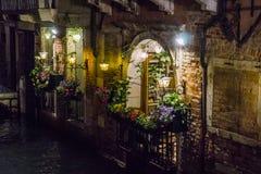 Βενετία στην Ιταλία τη νύχτα Στοκ Φωτογραφίες