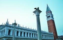 Βενετία, marco πλατειών SAN, φωτογραφία που απεικονίζουν το campinile, το λιοντάρι και marco SAN στοκ φωτογραφίες