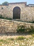 ΒΕΡΆΤΙΟ, ΑΛΒΑΝΙΑ - τον Ιούνιο του 2018: ιστορική πόλη στο νότο της Αλβανίας, κατά τη διάρκεια μιας ηλιόλουστης ημέρας στοκ φωτογραφίες