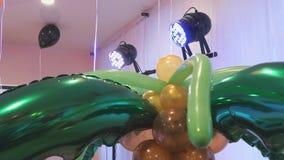 Βεραμάν μπαλόνια με μορφή των αγγουριών απόθεμα βίντεο