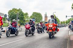 Βερολίνο, Γερμανία - 28 Μαΐου 2016: Παρέλαση μοτοσικλετών στο Βερολίνο ενάντια στο violance Στοκ εικόνα με δικαίωμα ελεύθερης χρήσης