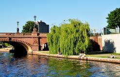 Βερολίνο, οδός της Willy Brandt γεφυρών Στοκ Εικόνες