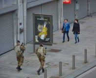 Βελγικοί στρατιώτες που εξασφαλίζουν τις οδούς Στοκ Εικόνες
