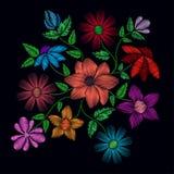 Βελονιές κεντητικής με τα λουλούδια και τα φύλλα Στοκ Φωτογραφία
