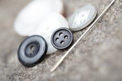 βελόνα κουμπιών Στοκ Φωτογραφία