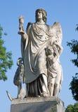 Βιέννη - άγγελος της ελπίδας με το eucharist. Λεπτομέρεια από τον τάφο σε Centralfriedhoff Στοκ εικόνα με δικαίωμα ελεύθερης χρήσης