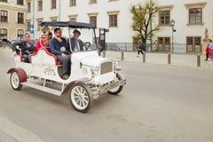 Βιέννη, Αυστρία - 15 Απριλίου 2018: Ένα ήρεμο αναδρομικό αυτοκίνητο για τους τουρίστες Στοκ φωτογραφία με δικαίωμα ελεύθερης χρήσης