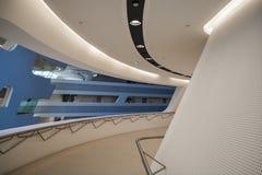 Βιέννη, Αυστρία 2 03 2019 Βιβλιοθήκη του οικονομικού πανεπιστημίου Σύγχρονο κτήριο μέσα στοκ φωτογραφίες