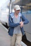 Βιασύνη ατόμων στο τραίνο στοκ φωτογραφία με δικαίωμα ελεύθερης χρήσης