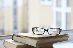 Βιβλία και γυαλιά Στοκ Εικόνα