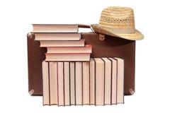 Βιβλία και καπέλο δύο Στοκ φωτογραφία με δικαίωμα ελεύθερης χρήσης