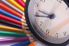 Βιβλία και χρωματισμένο μολύβι Στοκ Εικόνες
