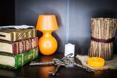 Βιβλία Antiquarian και παλαιά κλειδιά Στοκ φωτογραφία με δικαίωμα ελεύθερης χρήσης