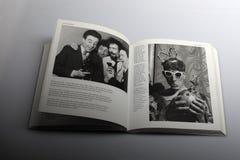 Βιβλίο φωτογραφίας από το Nick Yapp, Jonathan Μίλερ στο Καίμπριτζ το 1954 Στοκ Φωτογραφία