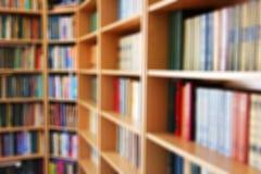 βιβλιοθήκη Θολωμένη φωτογραφία Αφηρημένη φωτογραφία βιβλίων στοκ εικόνες